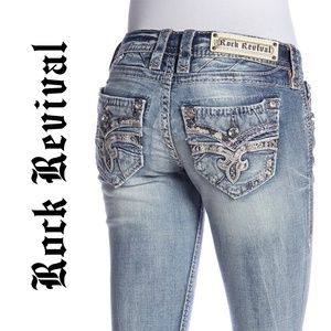 7407 Rock Revival Straight Jeans